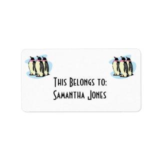 pingüinos con los bowties etiquetas de dirección