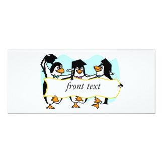 Pingüinos de graduación felices w/Banner del baile Anuncio Personalizado