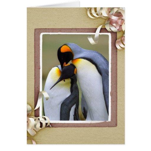 Pingüinos de rey en amor felicitaciones