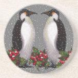 Pingüinos del navidad en la nieve, acebo: Arte Posavasos Personalizados