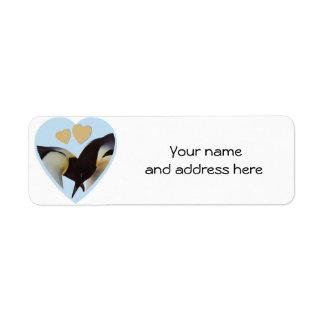 Pingüinos en etiquetas del remite del amor etiquetas de remite