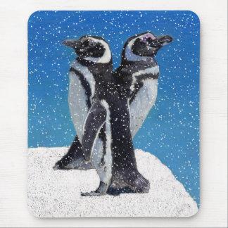 Pingüinos en la nieve alfombrilla de raton
