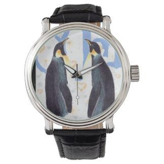 Pingüinos en reloj de la correa de cuero del