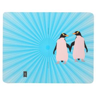 Pingüinos lesbianos del orgullo gay que llevan a cuadernos