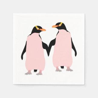 Pingüinos lesbianos del orgullo gay que llevan a servilletas desechables