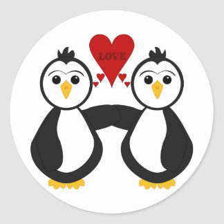 Pingüinos lindos que piensan amor pegatinas redondas
