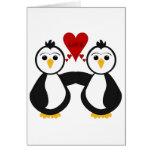 Pingüinos lindos que piensan amor tarjetas