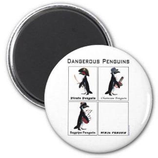 pingüinos peligrosos imán redondo 5 cm