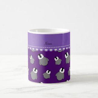 Pingüinos púrpuras conocidos personalizados del taza clásica