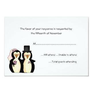 """Pingüinos que casan la tarjeta de la respuesta invitación 3.5"""" x 5"""""""