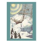 Pingüinos y nave pegados en hielo tarjeta postal