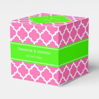 Pink2 monograma blanco caliente del nombre de la cajas para regalos de fiestas