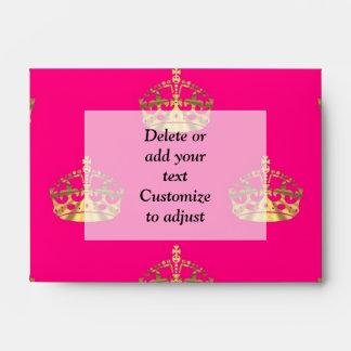 Pink and gold crown pattern envelope