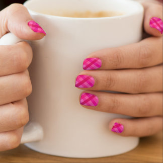 Pink and lavender plaid minx® nail wraps