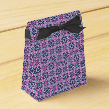 Pink and purple zigzag squares party favor boxes