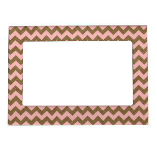 PINK AND TAN CHEVRON PATTERN MAGNETIC FRAME