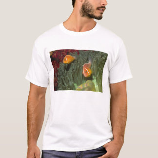 Pink Anemonefish in Magnificant Sea Anemone T-Shirt