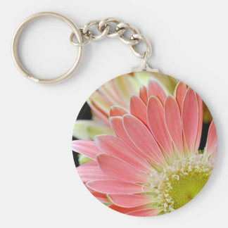 Pink daisy flower blossoms keychain
