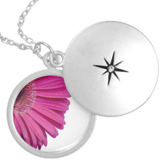 Pink daisy flower with water droplets beautiful necklaces