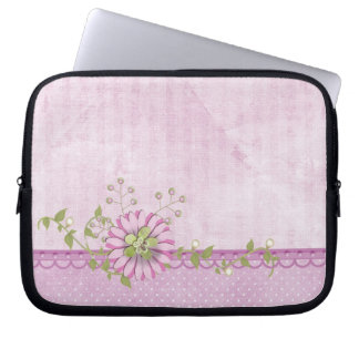 Pink daisy with pearls computer sleeve