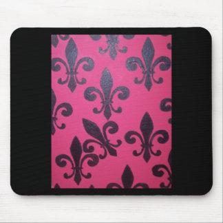 Pink fleur de lis painting mouse pad