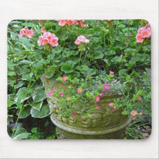 Pink geranium flower planter mouse pad