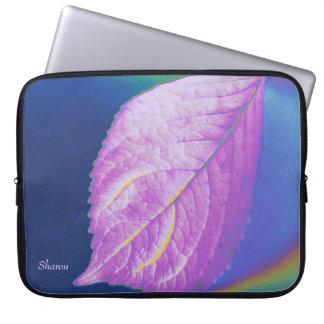 Pink leaf computer sleeve
