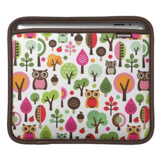 pink leaf tree retro owl pattern iPad sleeve