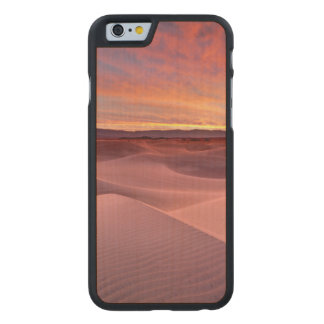 Pink sand dunes, Death Valley, CA Carved® Maple iPhone 6 Case