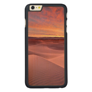 Pink sand dunes, Death Valley, CA Carved® Maple iPhone 6 Plus Case