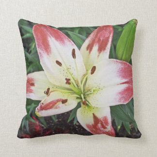 PINK & WHITE LILY / DECORATIVE THROW PILLOW