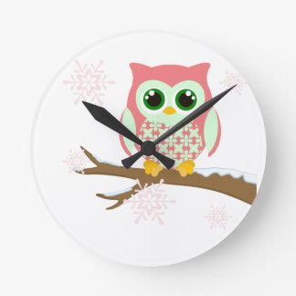 Pink winter owl round clock