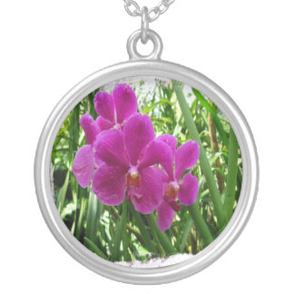 pinkflower round pendant necklace