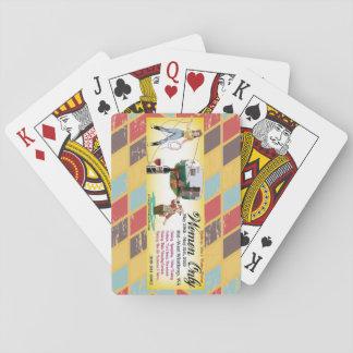 Pino cerca de jugadores cartas de juego