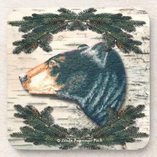 Pino del norte de la corteza de abedul del oso posavaso