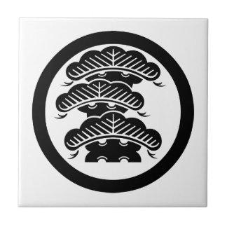 pino Tres-con gradas con el arashi L en círculo Azulejos Cerámicos