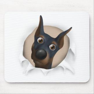 Pinscher del Doberman (negro y moreno) que revient Mouse Pad
