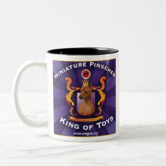 Pinscher miniatura, rey de juguetes taza de dos tonos