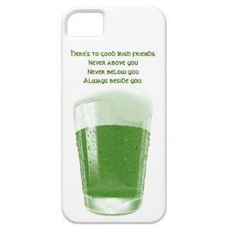 Pinta de cerveza verde+Tostada Cita-Irlandesa de iPhone 5 Carcasa
