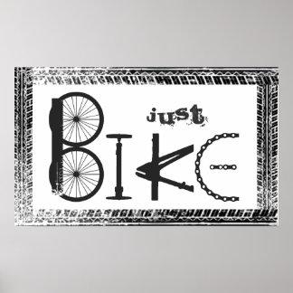 """Pintada """"apenas de la bici"""" de piezas de la bici y póster"""