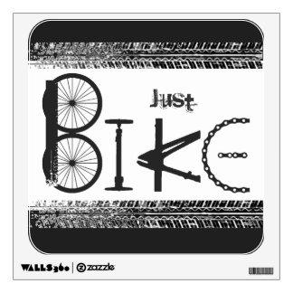 """Pintada """"apenas de la bici"""" de piezas de la bici y vinilo adhesivo"""