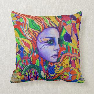Pintada de la cara de la mujer colorida en cojín