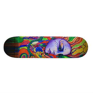Pintada de la cara de la mujer colorida en Vinnits Skate Board