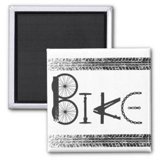 Pintada de piezas de la bici con las pistas del ne imán cuadrado