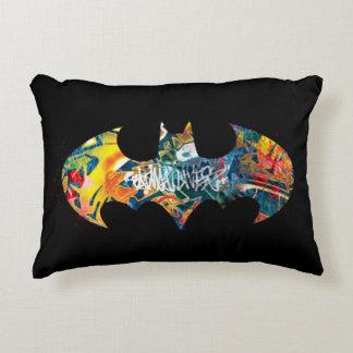Pintada del logotipo Neon/80s de Batman Cojín Decorativo