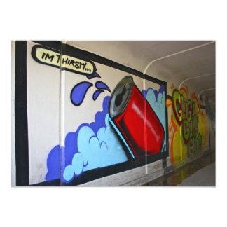 Pintada en un subterráneo soy invitación sedienta