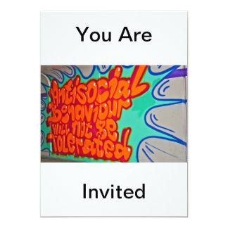 Pintada en una invitación del subterráneo