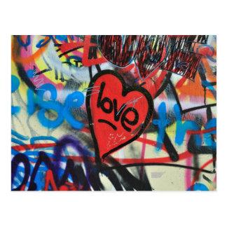 pintada pintada rojo del amor del corazón postal