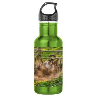 Pinte el balanceo del caballo en foto equina botella de agua