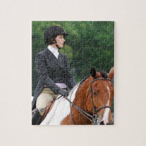 Pinte el caballo en el rompecabezas de la demostra